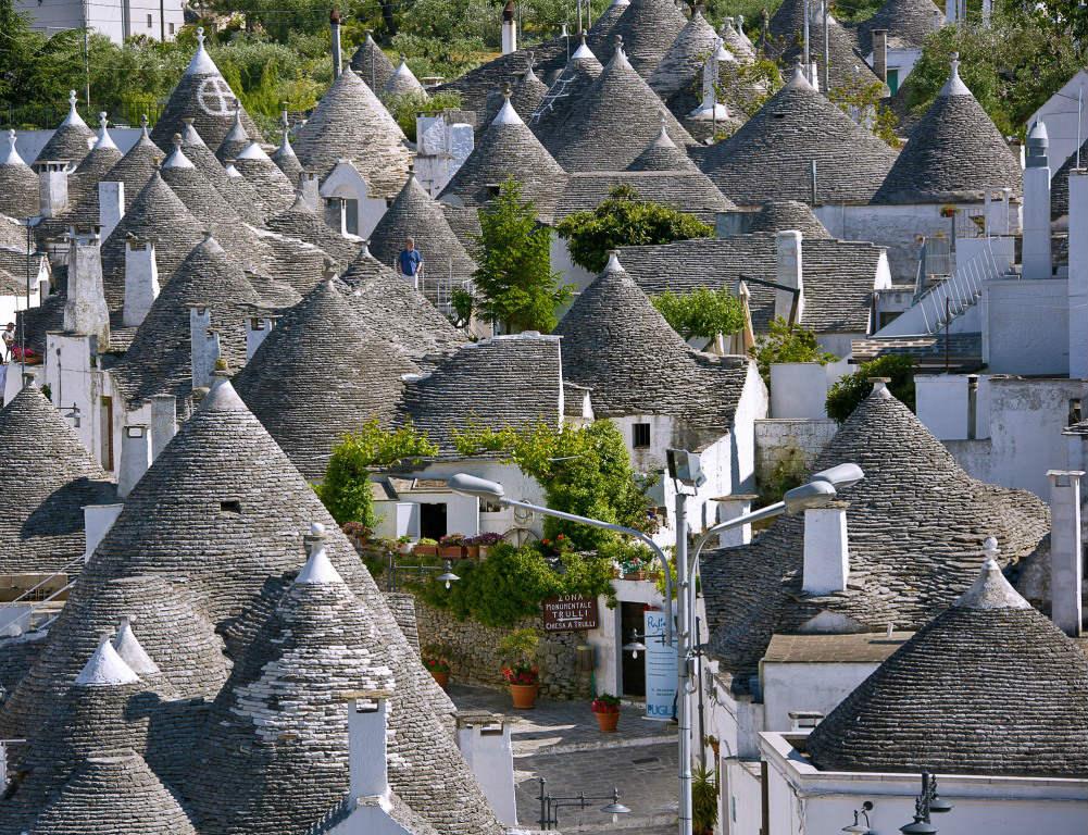 Mete fiabesche da visitare in Italia - Alberobello, Puglia