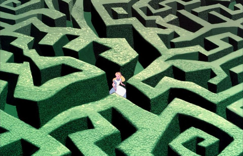 Labirinti famosi - alice nel paese delle meraviglie labirinto