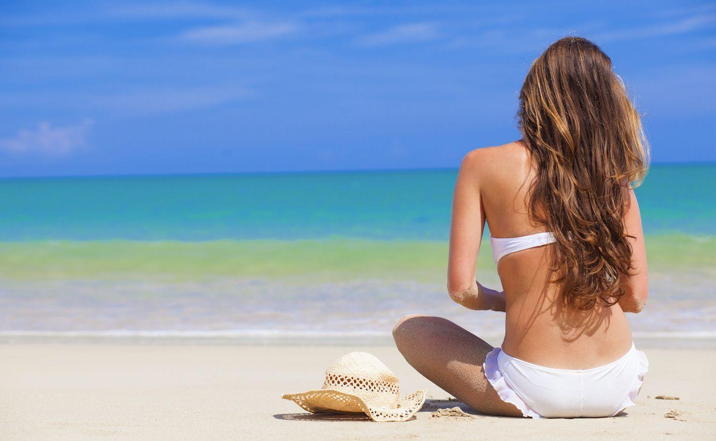 cura-in-spiaggia-dei-capelli