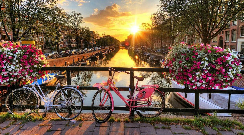 amsterdam-canali-in-bici