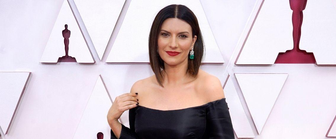 Laura Pausini non vince l'Oscar, ma dichiara torno in Italia felice
