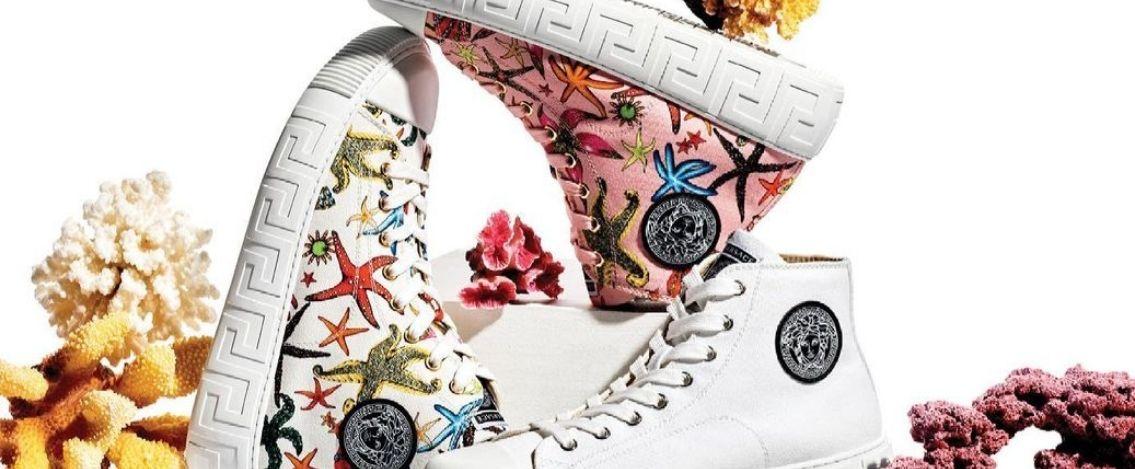 Versace svela le nuove sneakers con l'iconica Greca