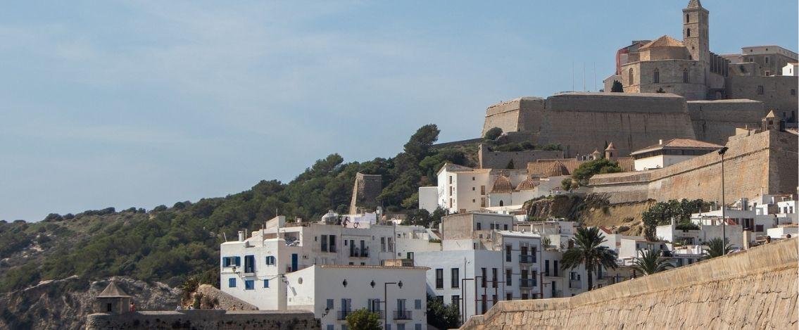 Ibiza, sparatoria ad una festa tre italiani coinvolti, uno in gravi condizioni