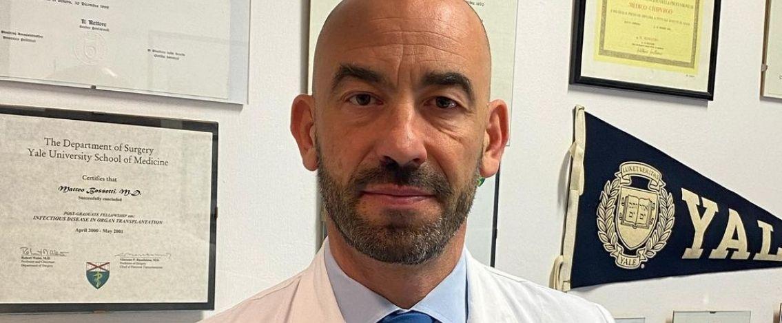 Matteo Bassetti, l'infettivologo messo sotto scorta per le minacce di morte