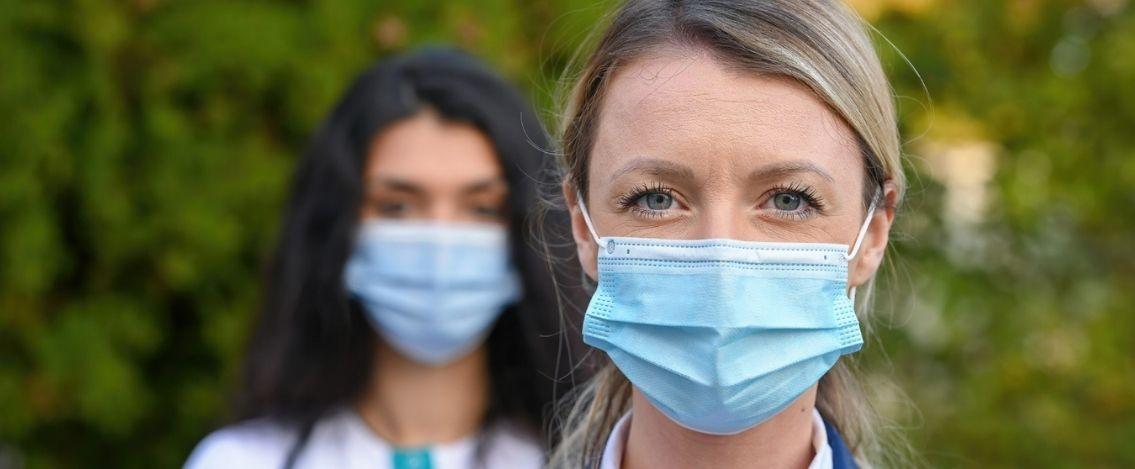 Rapporto settimanale Iss Sono i ragazzi a trainare di più l'infezione