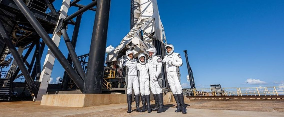 Chi sono i quattro astronauti partiti con i viaggio di SpaceX