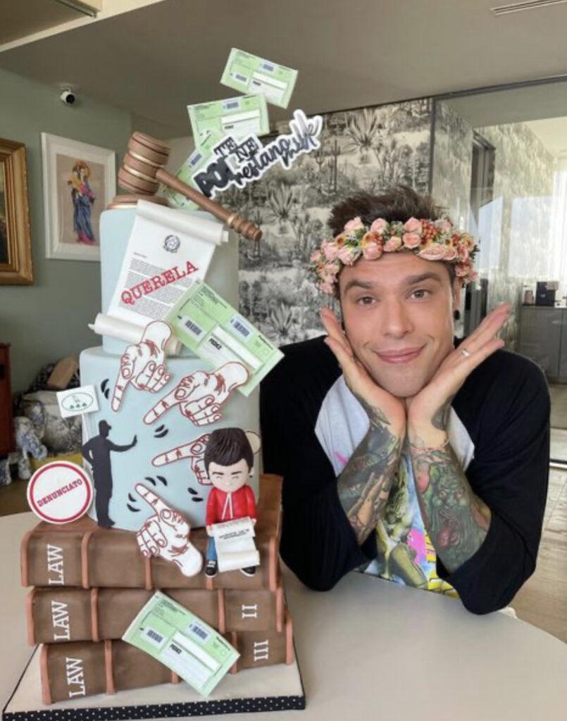 Ecco i regali che ha ricevuto Fedez per il suo compleanno